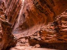 在长的峡谷,犹他的槽孔峡谷 库存图片