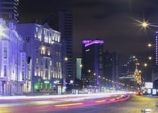 在长的曝光的未来派城市夜莫斯科 库存照片