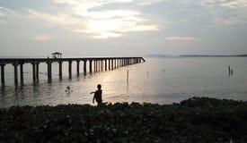 在长的曝光的渔跳船 库存照片