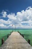 在长滩的Sok圣码头在酸值rong海岛柬埔寨 免版税库存照片