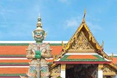 在门的巨人在Wat Phra kaew,曼谷,泰国 库存图片