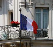 在门面的法国旗子 免版税库存照片
