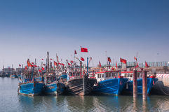 在闭合的捕鱼季节的渔小船 免版税库存图片