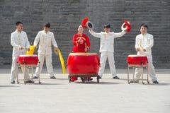 在队-完美的中国鼓手里面 库存图片