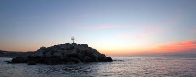 在防堤/跳船的日出Puerto圣何塞台尔Cabo港口/小游艇船坞的在巴哈墨西哥 免版税库存图片