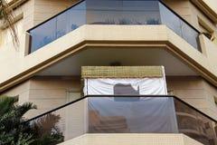 在阳台的犹太假日Sukkoth在特拉维夫 免版税库存图片