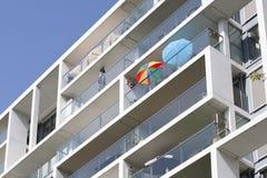 在阳台的遮阳伞 免版税图库摄影