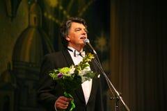 在阶段唱歌的歌剧歌手,演员,流行音乐明星,谢尔盖扎哈罗夫苏联和俄国音乐的神象  图库摄影