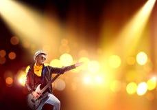 在阶段的摇滚明星 免版税库存照片