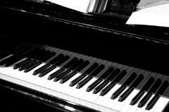 在阶段的钢琴 免版税库存照片
