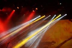 在阶段的音乐会光 库存图片