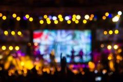 在阶段, bokeh的Defocused娱乐音乐会照明设备 免版税库存图片