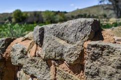 在阿兹台克废墟的古老石墙 免版税图库摄影