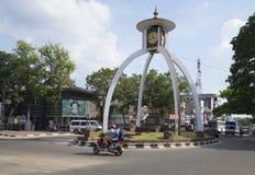 在阿努拉德普勒,斯里兰卡的交叉点的装饰塔钟 免版税库存照片