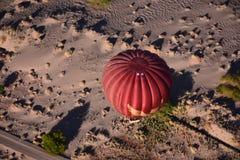 在阿塔卡马沙漠的气球在智利 免版税图库摄影