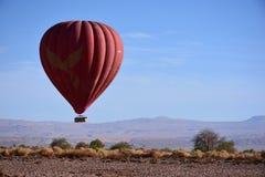 在阿塔卡马沙漠的气球在智利 库存图片