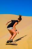 在阿塔卡马沙漠, Huacachina,伊卡大区,秘鲁绿洲的沙子搭乘乐趣  免版税库存照片