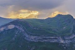 在阿塞拜疆的山的夏天日落 库存照片