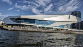 在阿姆斯特丹的北岸的眼睛影片Institue从游览小船,荷兰拍摄了 免版税库存图片