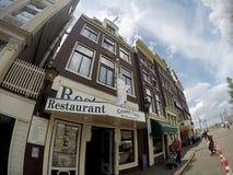 在阿姆斯特丹的历史部分的街道 免版税库存图片