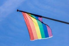 在阿姆斯特丹自豪感期间的彩虹旗子 图库摄影