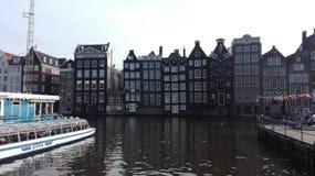在阿姆斯特丹运河上 免版税库存图片