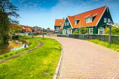 在阿姆斯特丹, Marken,荷兰,欧洲附近的意想不到的旅游渔村 免版税库存照片