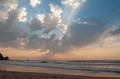 在阿尔加威Castelejo海滩,葡萄牙的日落 免版税库存照片