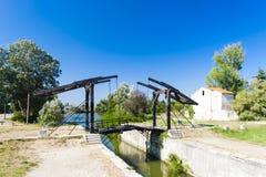在阿尔勒附近的梵高桥梁 库存照片