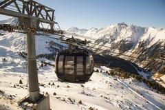 在阿尔卑斯山的空中览绳 奥地利, Ischgl 库存照片