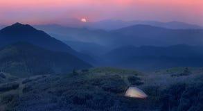 在阿尔卑斯的山麓小丘的月出 免版税图库摄影