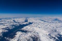 在阿尔卑斯的看法从高处在春天 免版税库存图片