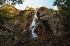 在阿尔泰山的瀑布 免版税图库摄影