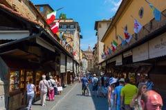 在阿尔诺河的Ponte Vecchio在佛罗伦萨 库存图片