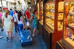 在阿尔诺河的Ponte Vecchio在佛罗伦萨 免版税库存照片