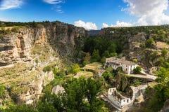 在阿尔阿马德格拉纳达,安大路西亚,西班牙的峡谷 免版税图库摄影
