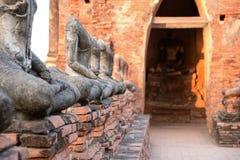 在阿尤特拉利夫雷斯寺庙,泰国的老菩萨雕象 图库摄影