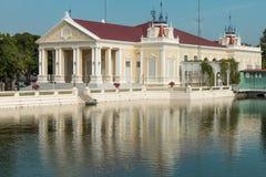 在阿尤特拉利夫雷斯,泰国-颐和园亦称猛击痛苦王宫 免版税库存图片