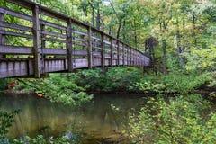 在阿巴拉契亚足迹的人行桥 免版税库存照片