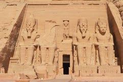在阿布格莱布Simbel的印象深刻的古老纪念碑 库存照片