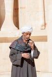 在阿布・辛拜勒神庙附近的埃及人,埃及 库存照片