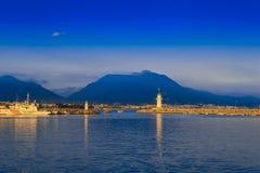 在阿拉尼亚海港的看法有灯塔的 免版税库存照片