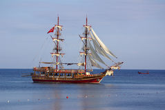 在阿拉尼亚,土耳其港的小船  免版税库存图片