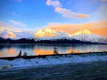 在阿拉斯加的海岸的日出 库存图片