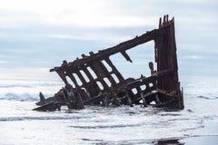 在阿斯托利亚海岸的海难 免版税库存照片