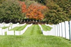 在阿灵顿国家公墓的墓石行, 免版税库存照片