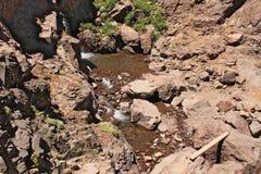 在阿特拉斯山脉的瀑布在摩洛哥 库存图片