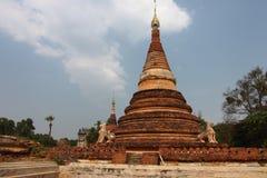 在阿瓦曼德勒的老佛教寺庙废墟 缅甸 免版税库存照片