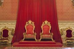 在阿茹达宫的国王和女王王位,里斯本 库存图片