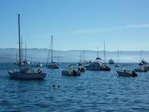 在阿雅克修停住的小船在可西嘉岛咆哮 图库摄影